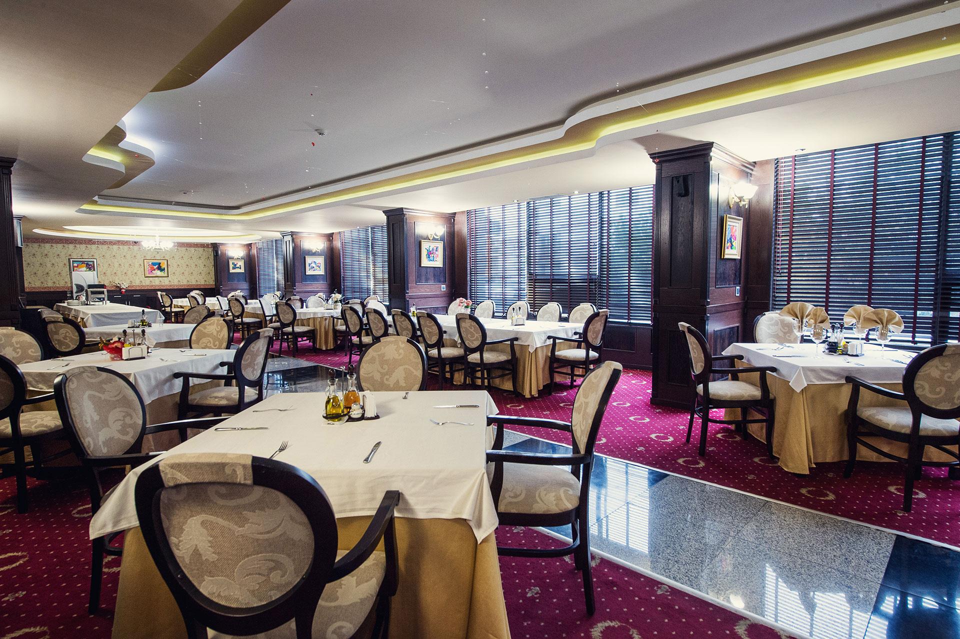Classic Restaurant Гранд хотел Хебър Пазарджик